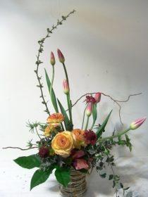 送別の花:チューリップ、ラナンキュラスなど。