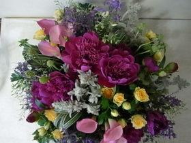 退職の花 シャクヤク、カラー、バラetc