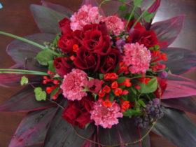 誕生日の花:ばら、スカビオサなど