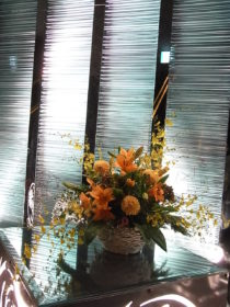 誕生会の花:ダリア、ユリ、オンシジュームなど