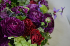 お誕生日、リース、ラナンキュラス、紫系