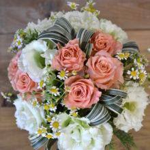 若い女性へ贈る送別のお花