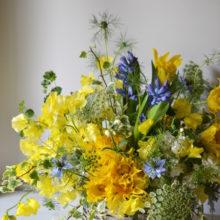 春の黄色アレンジメント