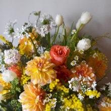 黄色で祝う周年のお花